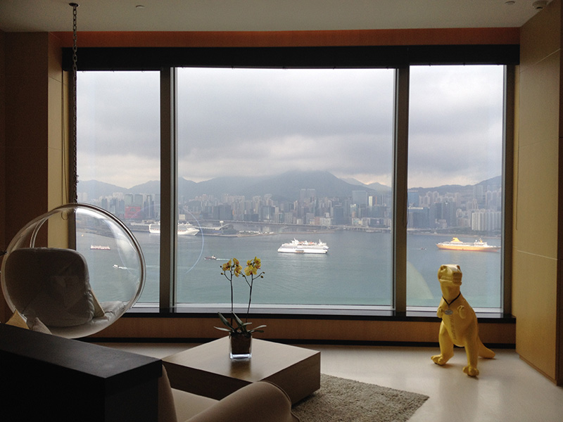 Harbor Corner View; Living room area of the Suite